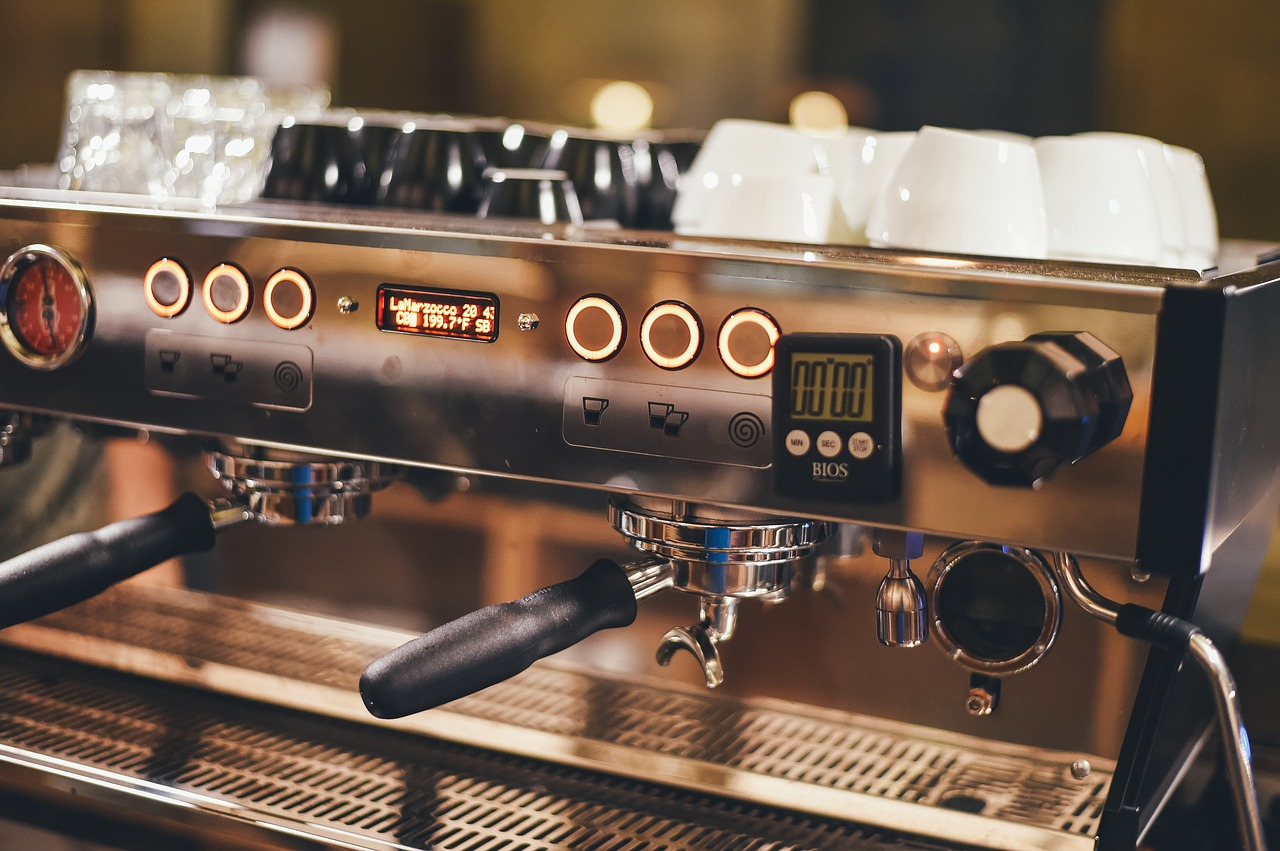 Jak należy dbać o ekspres do kawy