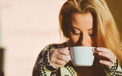 Kto niepowinien pić kawy – wpływ kawy nanasz organizm