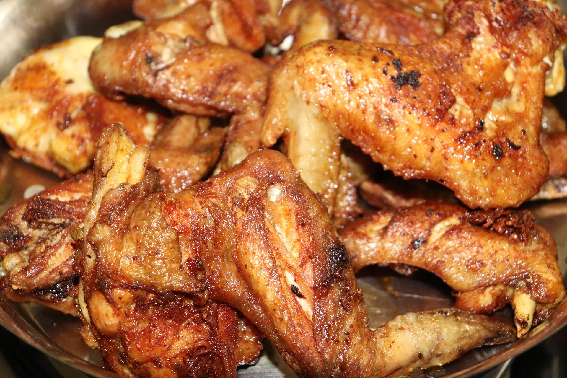Przepis naskrzydełka kurczaka wmiodzie